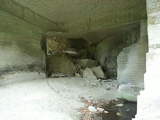 大谷石採石場跡地 地底湖ツアー「OHYA UNDERGROUND」